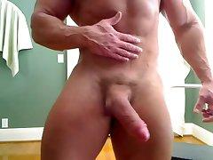 Str8 bodybuilder massive flexing & huge cock