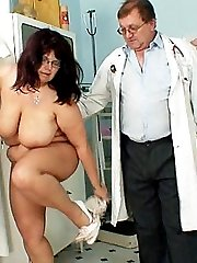 Daniela a 42 years old big women with huge boobs gyno clinic checkup