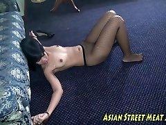 Tessa Gives a Panty Job