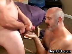 Cameron Stuart and Beary Rubs fuck part1