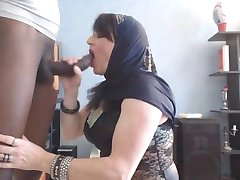 arab babe do blowjob