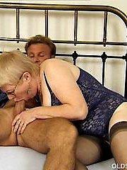 Sexy granny slowly sucks cock