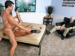 Hot blond chick gets screwed over in a good way