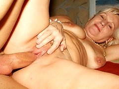 Sexy older blonde Remy shows off her chunky flabby butt and gets doggy style cock dipping