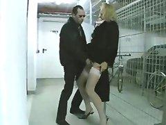 Reife Frau in Nylons wird Anal gefickt - Mature
