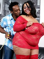Guy pretends to be a bra designer to lay hands and cock onto a hot black BBW
