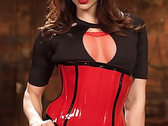 Marica Hase becomes another hot toy for Chanel Preston to play with! Enjoy a dungeon scene...
