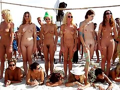 Beach girls and men, they a fully nude