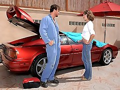 Super hot perfect ass slender babe masterbates while watching the mechanic work on her car then...