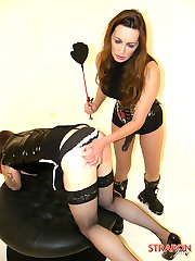 Horny tranny gets Strapon Janes rubber cock in her mouth and ass