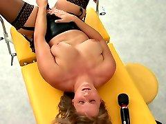 3 girls masturbating