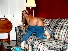 Saucy girls pull tight fitting jeans down