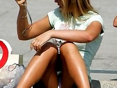 Upskirt oops �amateur girls didn't know about cam shooting
