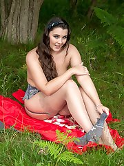 Toni Leanne playing with her boobs and tight beaver outdoors