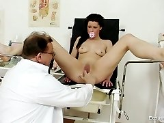Babe gets a pussy check up