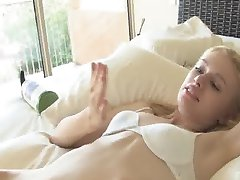 hot young girl solo