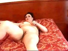 MATURE GETS YOUNG DICK