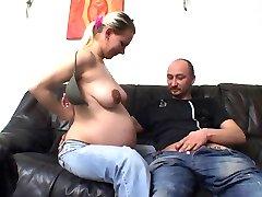 Pregnant porno