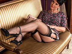 Raven strips down to her sexy vintage lingerie, RHT nylons and stiletto heels!
