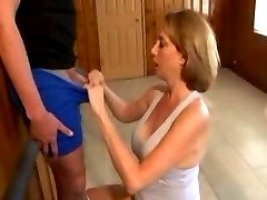 Mature Handjob With Amazing Cumshot 1
