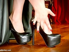Enjoy a Free FemDomme POV Foot Worship Bonus starring the one and only Goddess Aiden Starr....