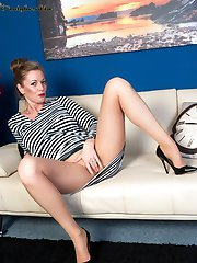 Holly loved these new seamless pantyhose, like they were made to be flirty and downright filthy in!