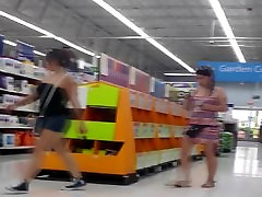Unsuspecting Shopper Upskirted