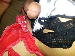 Jerking in my girlfriend&039;s used panties