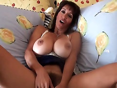 Hairy MILF with great pussy lips enjoys cock & creampie!