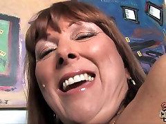 Mature mom suck and fuck huge BBCs