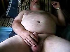 Chubby daddy bear jerking no cum