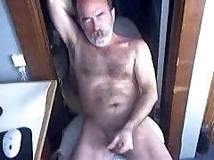 Hairy daddy bear jerking off