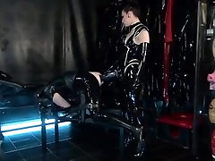 Monsterstrapon in Latex