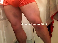 Muscle Men - TJ Leg Flexing Video 1