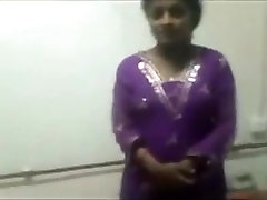 Indian Girl Sex On Cam And Fun--Mms