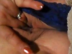 Pierced bbw SQUIRTS