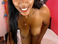 Sexy Beautiful Mature Ebony Latina on Webcam