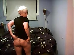 Sexy Blonde Shaking Big Booty
