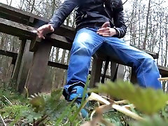 jerking and cumming in public on a bench