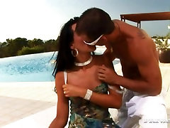 Suzie Diamond Does Anal in Ibiza