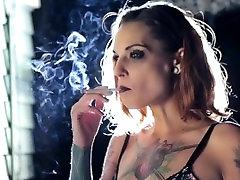 Smoking Silvia Rubí NIT