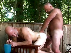 Hot Muscle Bear Bronson Gates and Evan Scott Fuck in the Great Outdoors