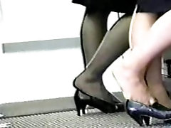 Pantyhose at airport show everyone tired and achy feet