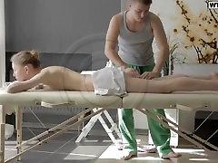 Delicate Girl Gets Massage 1080P