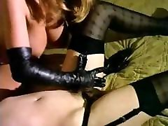 Vintage movie with Roxanna and another babe eating some pussy