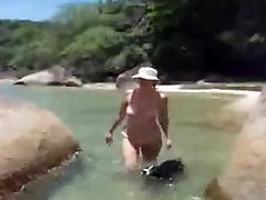 Mami Con Bikini Transparente En La Playa mature mature porn granny old cumshots cumshot