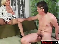 Find her on MATURE-FUCKS.COM - Moms body craves cum