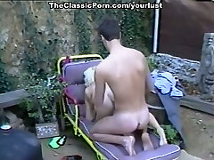Vintage chicks please men in hot and provocative episode from the past