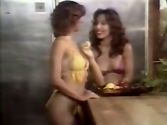 Stunning banheiro brasilia black head gives titfuck while two lesbians eat pussies