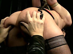Daring dark head chick is sexually tormented in dirty marito porca porn clip
